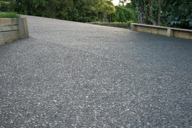 How To Get The Exposed Aggregate Concrete Effect Using Sugar